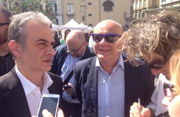 C'è Renzi, blindato centro di Napoli. Assessori Piscopo e Fucito al corteo dei movimenti