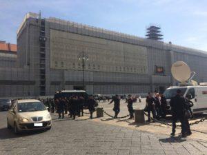 plebiscito_piazza_carabinieri_ildesk