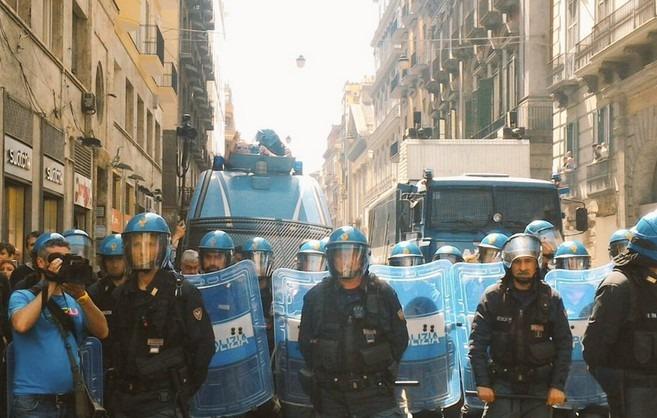 Verona-Napoli, cariche  della Polizia