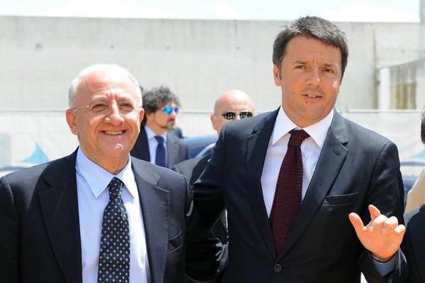 Renzi e De Luca firmano il Patto per la Campania e non invitano de Magistris: lo sa dai giornali