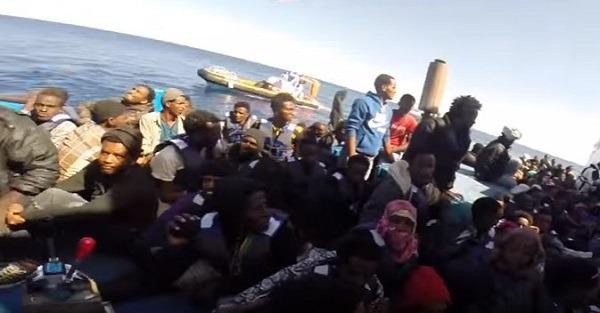 Migranti, ad Augusta fermati sette scafisti