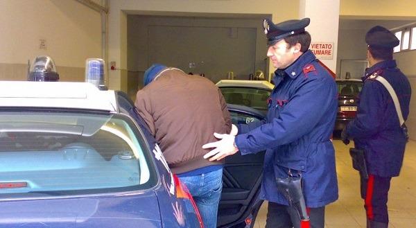Afragola, arma in casa: arrestato 52enne