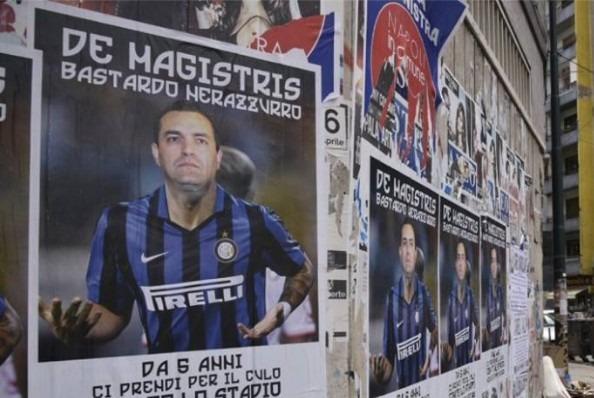 """Manifesti anti de Magistris, pronta denuncia: """"Teppaglia squadrista, messi da avversario politico"""""""