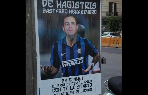 """Manifesti ultrà contro de Magistris: """"Ci prendi per il culo, non rifarai mai lo stadio"""""""