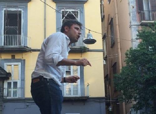 Espulsi M5S fischiano Fico e Di Battista, tensioni a Napoli con gli attivisti