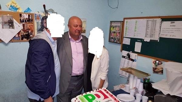 Anm, candidato Pd offre torta e spumante ai lavoratori in sede aziendale: scatta indagine interna