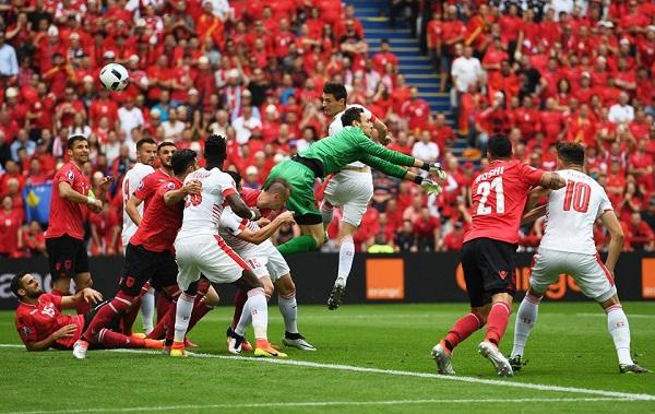 De Biasi stecca alla prima, Albania ko con lo Svizzera