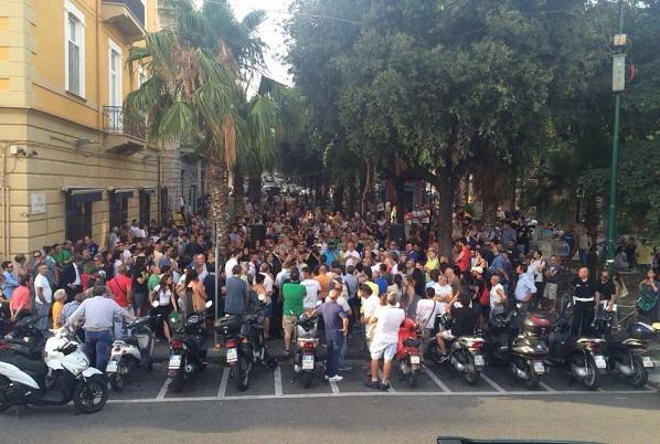 Assemblee popolari a Napoli, la giunta comunale farà delibera per rendere vincolanti le decisioni
