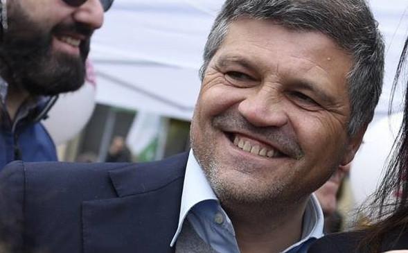 """Lettera agli elettori dal piddino Balzamo: """"de Magistris blocca Bagnoli, votate Lettieri"""""""
