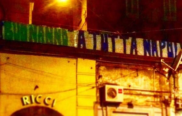 Muore il leghista Gianluca Buonanno, a Napoli striscione polemico festeggia