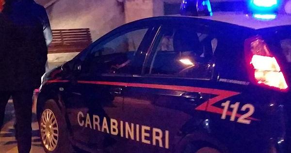 San Giorgio a Cremano, 2 giovani aggrediti e accoltellati fuori a rosticceria