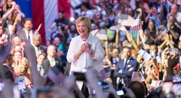 Usa, a Hillary Clinton nomination per le presidenziali: chi è peggio tra lei e Trump?