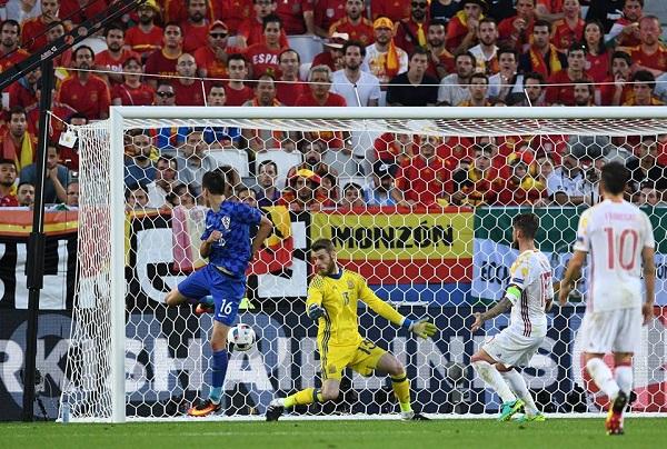 Croazia show, la Spagna perde il primato e trova l'Italia