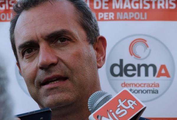 """Discarica nell'area nord, de Magistris contro De Luca: """"Se la scordi, vado a corteo di protesta"""""""