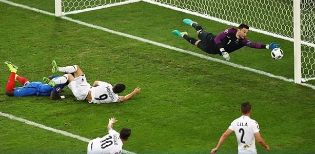 La Francia soffre, rischia e ne fa due all'ultimo minuto con l'Albania