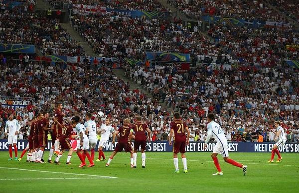 Inghilterra beffata, la Russia acciuffa il pari nel recupero