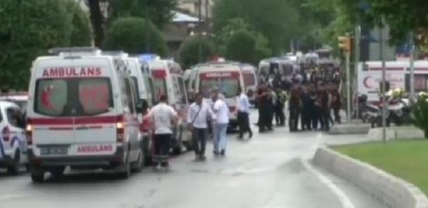 Esplosione alla fermata del bus, strage a Istanbul