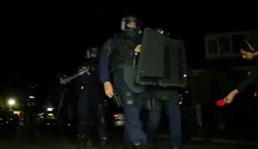 Parigi, uccide coppia di poliziotti in casa loro: l'Isis rivendica, salvo il figlio delle vittime
