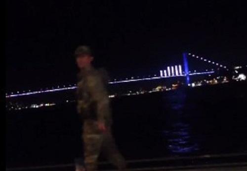 Turchia, golpe militare in atto: spari e carri armati nelle strade di Ankara