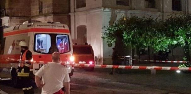 Germania, bomba davanti a ristorante: 1 morto e 11 feriti, riecco l'incubo terrorismo