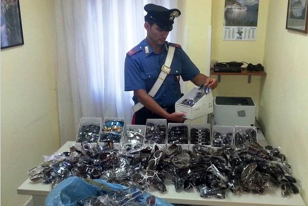 Napoli, sequestrati 10mila occhiali da sole contraffatti