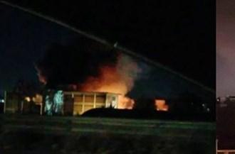 Incendio a Casavatore nella notte, in fumo deposito di divani