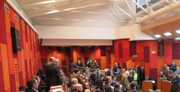 Consiglio comunale Napoli, eletti i presidenti delle commissioni