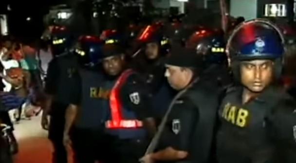 Bangladesh, commando Isis attacca locale a Dacca: 7 ostaggi italiani