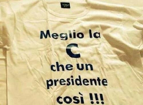 """Mercato delusione, t-shirt per contestare De Laurentiis: """"Meglio la C che un presidente così"""""""