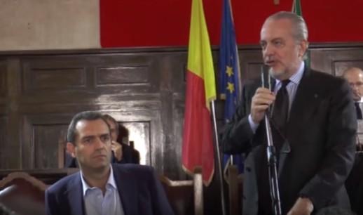 """Lavori al San Paolo, scontro De Laurentiis-de Magistris. """"Favori a tuo fratello"""". """"Diffami"""""""