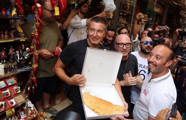 """A Napoli chiude casa per donne maltrattate? """"Risparmiano 37mila euro, Dolce&Gabbana li devolvano"""""""