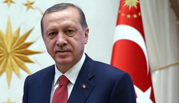 Il golpettino di Erdogan: sospesi quasi 8mila poliziotti, repressione spietata
