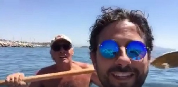 """Giletti fa pace con Napoli e l'autore del video sfottò: """"Città migliorata, ma sia come Barcellona"""""""