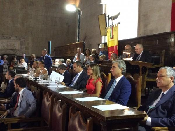 Al via il primo consiglio comunale di Napoli