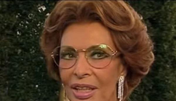 A Sophia Loren la cittadinanza onoraria di Napoli