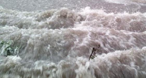 Nubifragio sul Sannio, allagate strade e scantinati: monitorati i fiumi Calore e Sabato