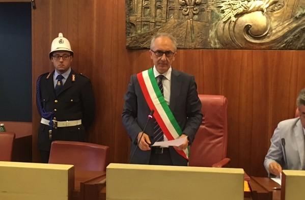 Omissioni di atti, a Caserta indagati sindaco Marino e dirigente comunale