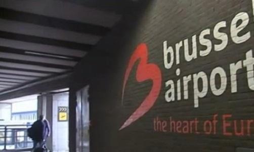 Bruxelles, allarme bomba su due aerei. Belgio ancora nel mirino Isis