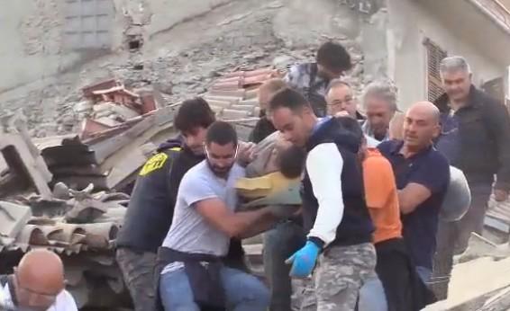 Terremoto ad Amatrice, recuperata la vittima numero 293 dall'hotel Roma