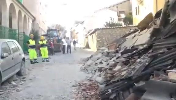 Mattarella sui luoghi del terremoto, le vittime sono salite a 284