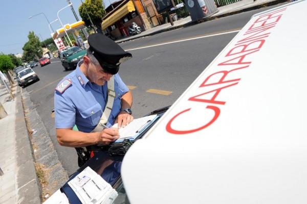 Maxi-operazione a Napoli, veicoli con targhe false: 76 denunce