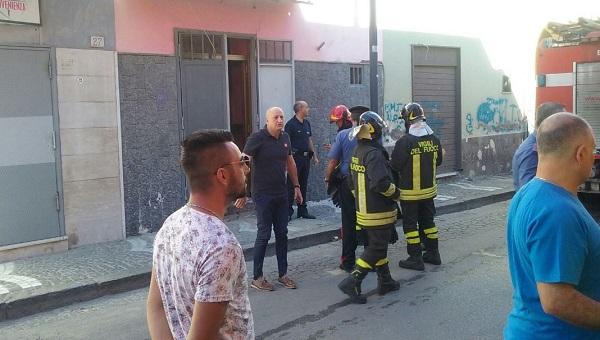 Paura a Cardito, crolla solaio di una casa: feriti 3 giovani