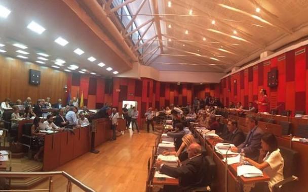 Comune di Napoli, il consiglio approva il bilancio preventivo