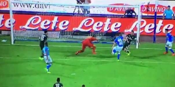 Il Napoli soffre ma vince 4 a 2: doppiette di Milik e Callejon