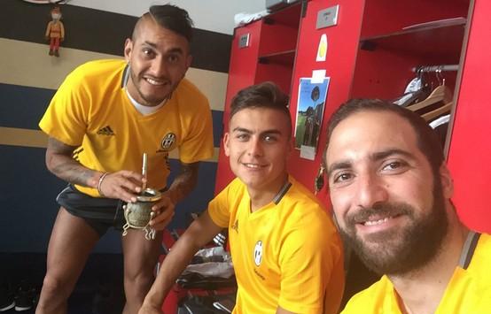 Higuain torna a twittare, pioggia di insulti dai tifosi del Napoli