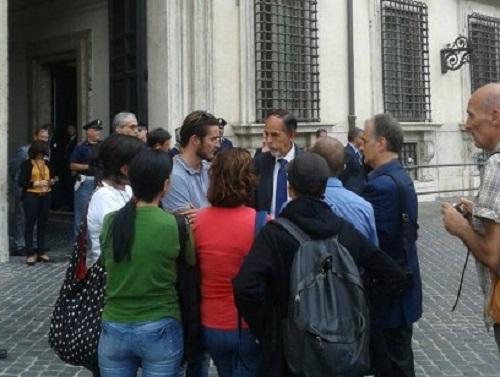 """Bagnoli, il documento dei comitati a Palazzo Chigi: """"Stop al commissario illegittimo, chi inquina paghi"""""""