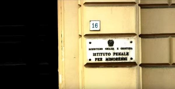 """Airola, rientra violenta rivolta nel carcere minorile: """"Lotta tra mini clan di camorra"""""""