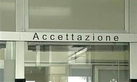 """Cardarelli, viaggio in trincea tra aggressioni, tagli e show: """"I blitz di De Luca? Avvertiti prima"""""""