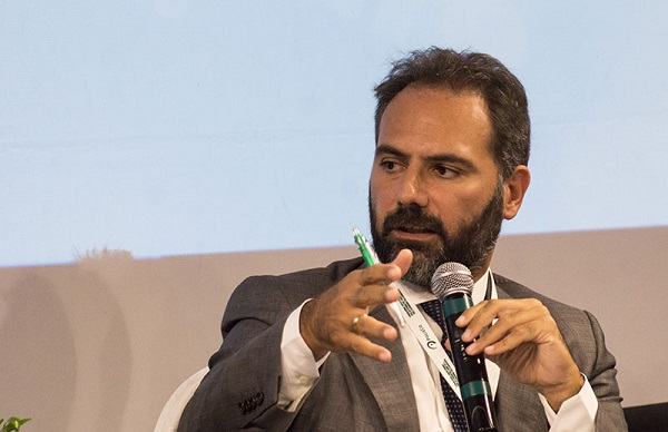 Napoli, strana vicenda di Catello Maresca: la mattina Pm, il pomeriggio candidato a sindaco di Napoli