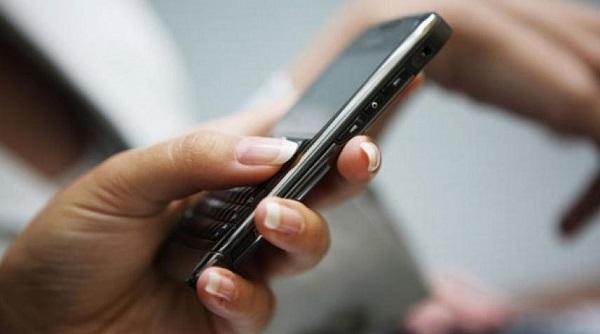 Bacoli, fotografa il proprio voto con lo smartphone: denunciato